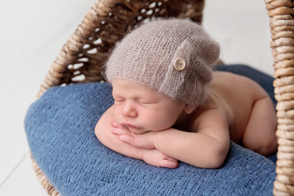 sleeping baby picture arms crossed
